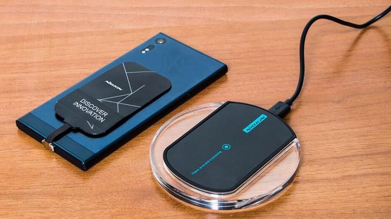 چگونه گوشی را به صورت بی سیم شارژ کنیم؟