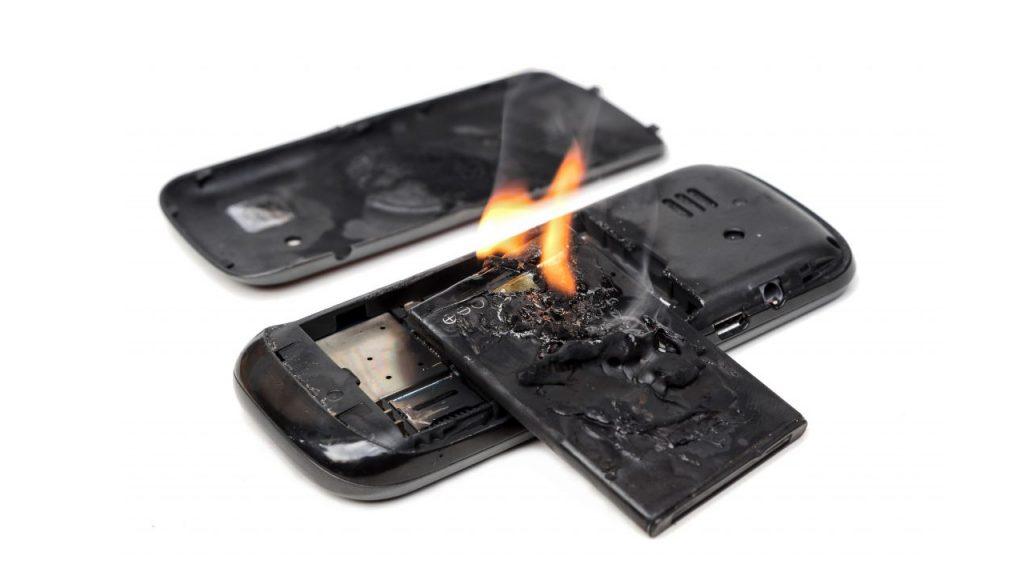 نگاهی به ساختار باتری موبایل و دلایل انفجار آن