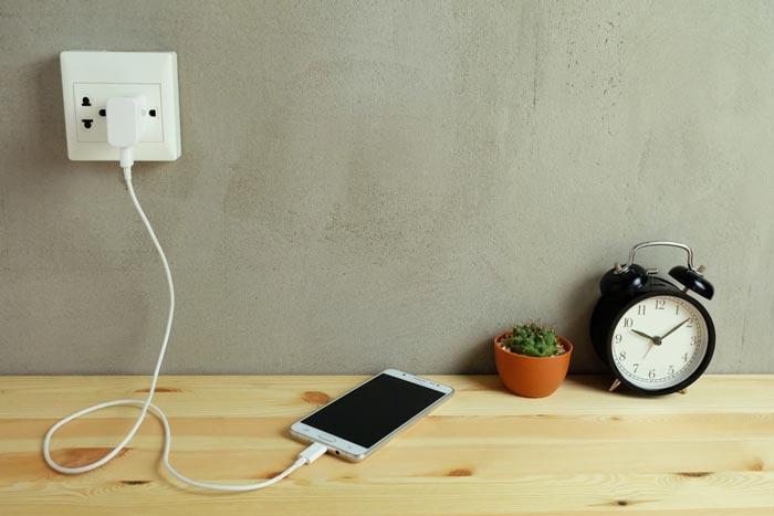 انواع شارژر ها از نظر نوع اتصال